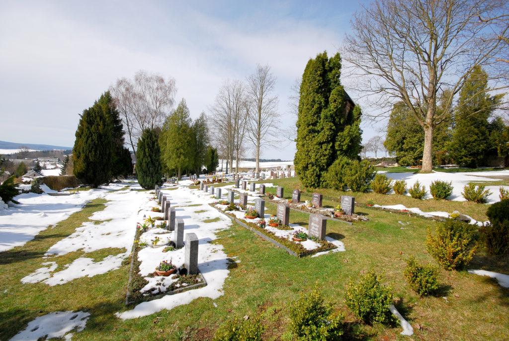 Friedhof Hallbach - Blick von der Kirche aus