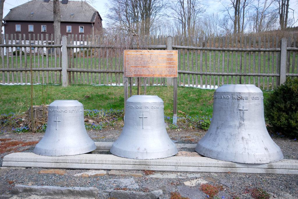 Friedhof Oberneuschönberg - alte Glocken