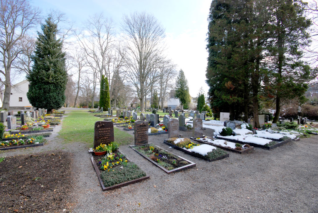 Friedhof Olbernhau - mehrere Gräber