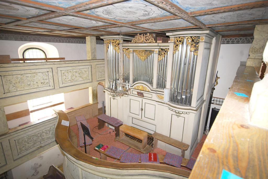 Kirche Dörnthal - Orgel mit Orgelempore