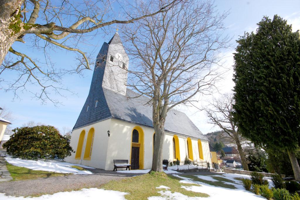 Kirche Hallbach - Außenansicht