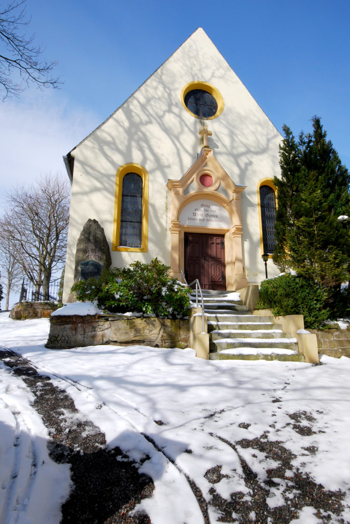 Kirche Hallbach - Eingangsseite