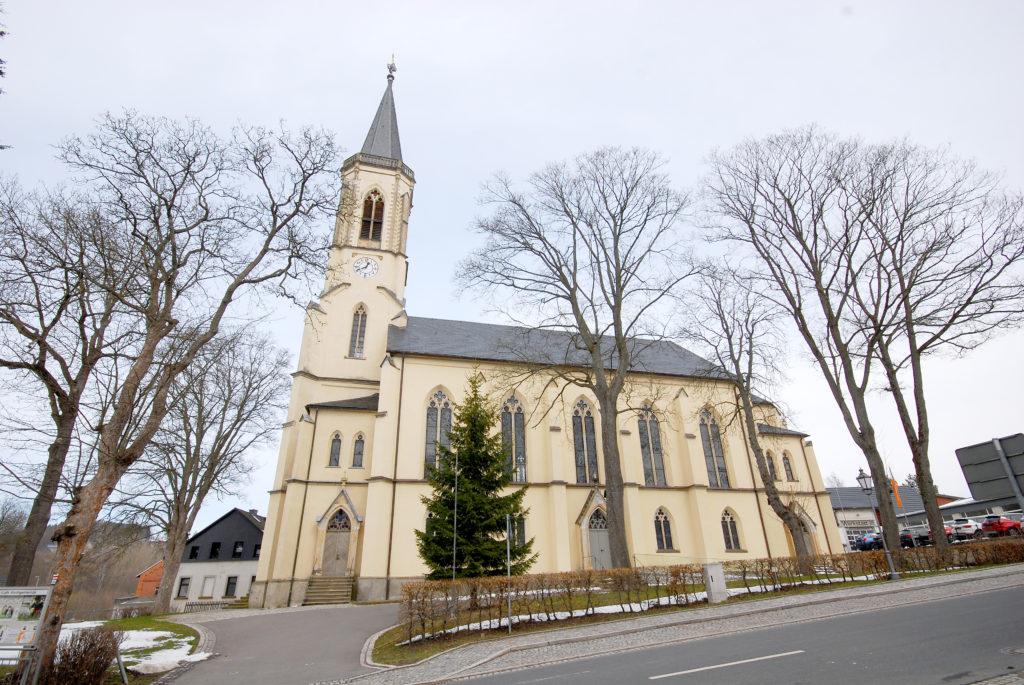 Kirche Neuhausen - Außenansicht