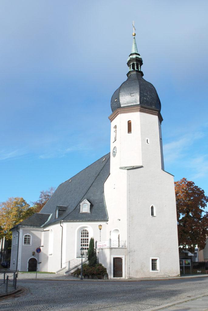 Kirche Olbernhau - Außenansicht - Blick von anderer Straßenseite