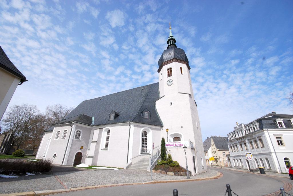 Kirche Olbernhau - Außenansicht - Blick vom Markt